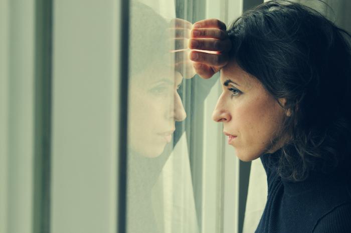 「woman worried」的圖片搜尋結果