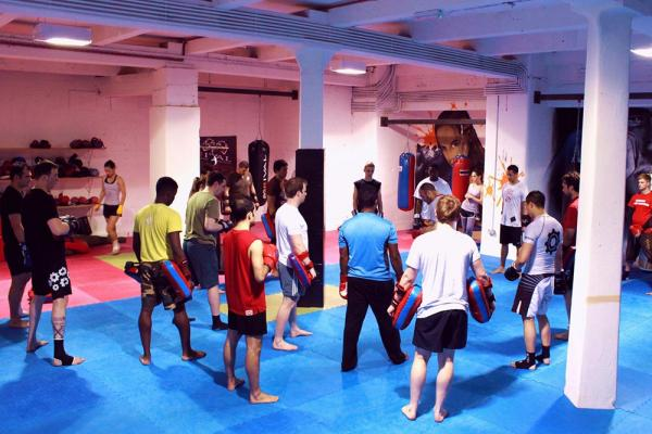 fight factory london class, boxing and women by healthista.com