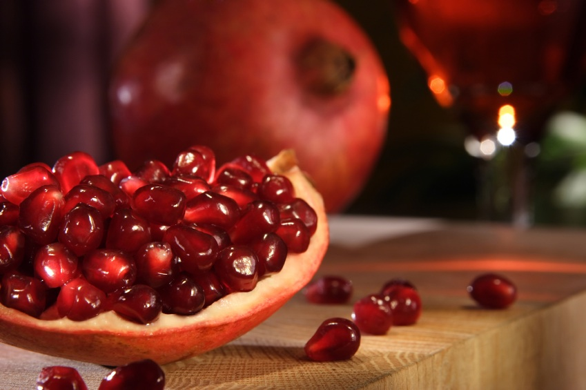 Pomegranates, superfoods for your skin, by healthista.com