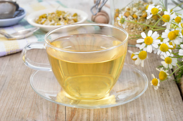 stress reducing foods. chamomile. healthista.com