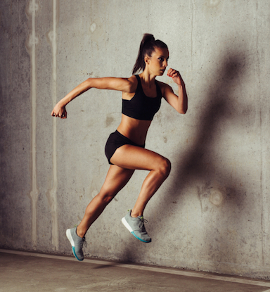 woman-running-how-I-cured-my-runners-knee-by-healthista.com
