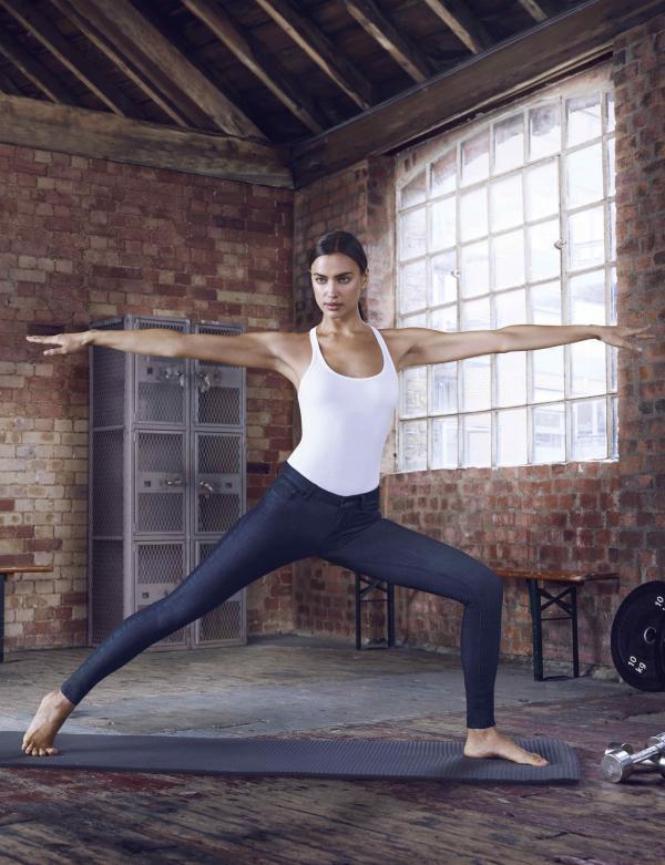 Model Yoga Fashion One