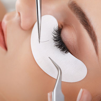 The-new-London-lash-bar-that-gives-you-a-soft-and-dramatic-look-without-needing-any-make-up-main-image-by-healthista.jpg