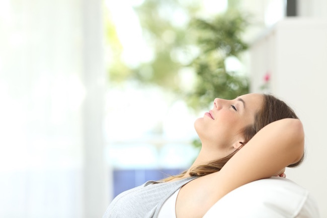 eyes are closed, how sleep perfectionism is keeping you awake, by healthista.com