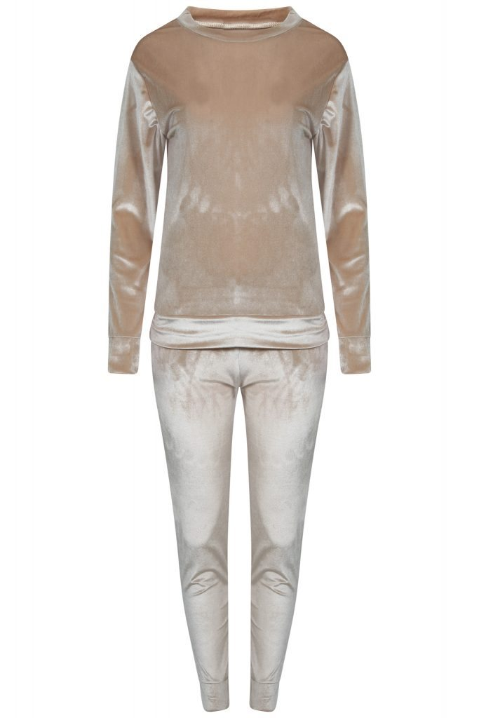 velvet-tracksuit-christmas-bedroom-gift-guide-by-healthista-com
