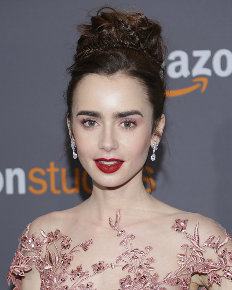 lily-collins-dark-lip-get-the-golden-globes-beauty-look-by-healthista