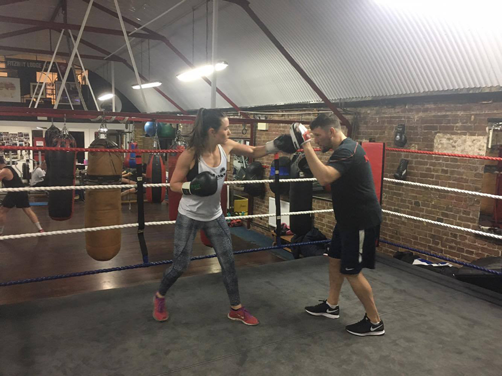 alice and mark in the ring, Boxing boutiques the biggest fitness trend for women right now by healthista
