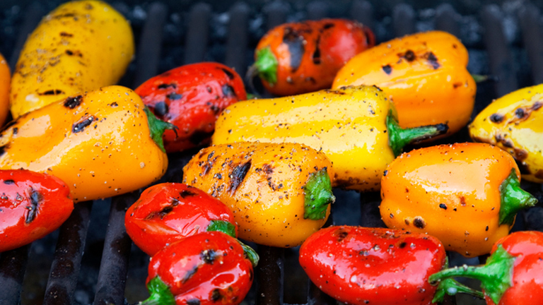 peppers, what to eat for better skin by healthista.com