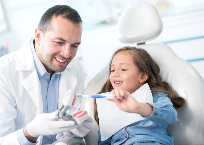 child with dentist 6 things your dentist wishes you would do Healthista