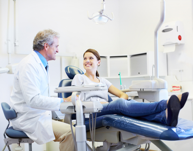 woman at dentist 6 things your dentist wishes you would do Healthista