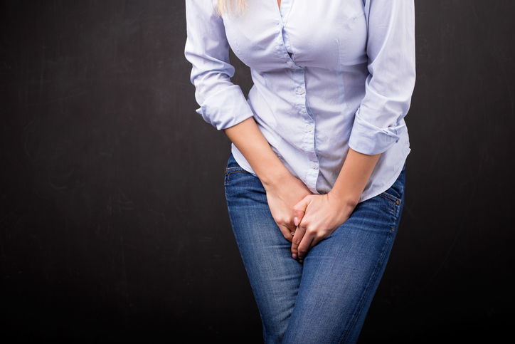 woman needs toilet, 7 myths about urinary incontenince and how to overcome it by healthista