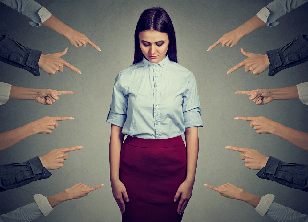 8-ways-to-deal-with-a-bully-at-work-Meeting-humiliation.