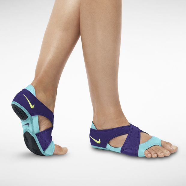Best Yoga Shoes With Arch Support: 5 BEST Trainers For Your Fitness