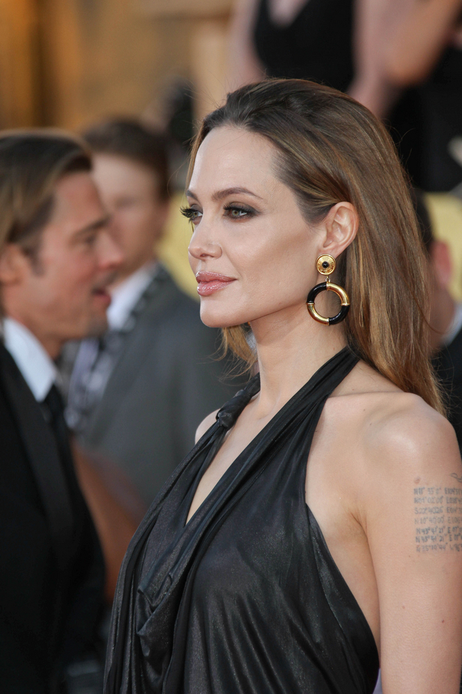 Could she be any more perfect? Turns out, Angelina has the ideal chin size and shape too