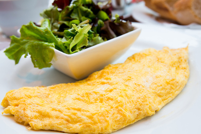 omelet with ham tomato and green salad