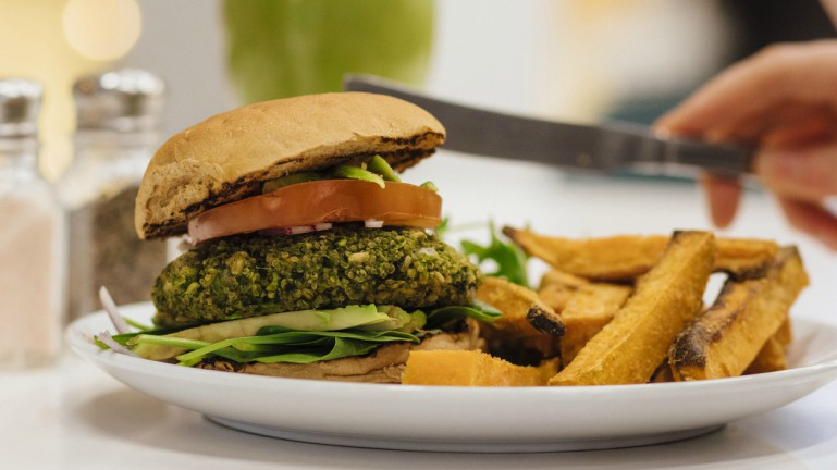 5-minute-no-meat-burger-by-healthista.com-main-image.jpg