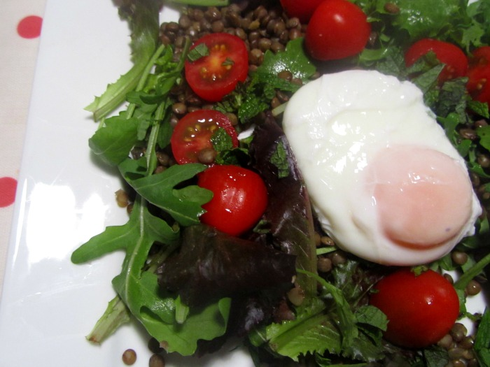 Puy lentil, tomato and poached egg salad