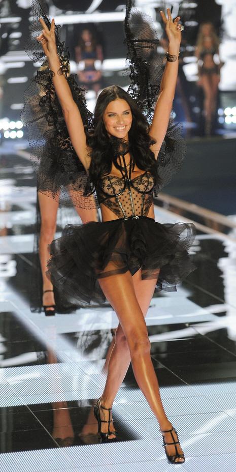 Adriana Lima 2014 Victoria's Secret Fashion Show - Runway