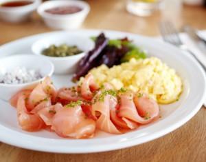 scrambled eggs salmon