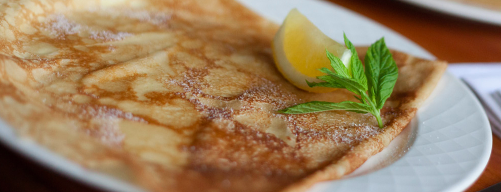 Pancake with lemon, Find out the best place to eat gluten-free French crepes, by Healthista.com