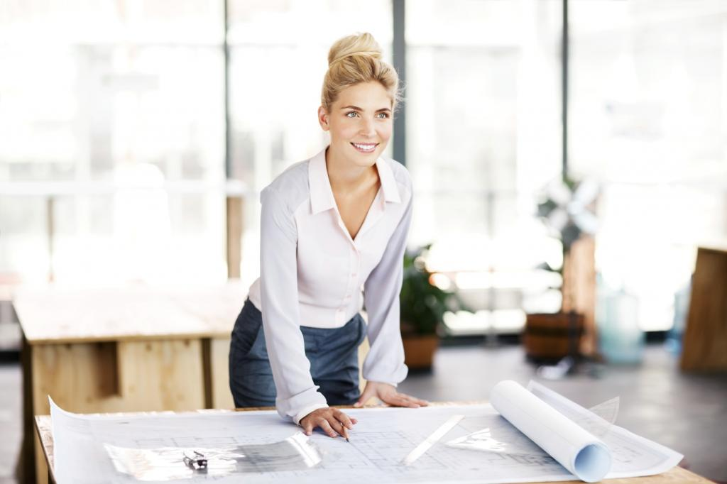 Contractor-With-Blueprint-7-secrets-of-women-who-love-their-jobs-by-healthista.com