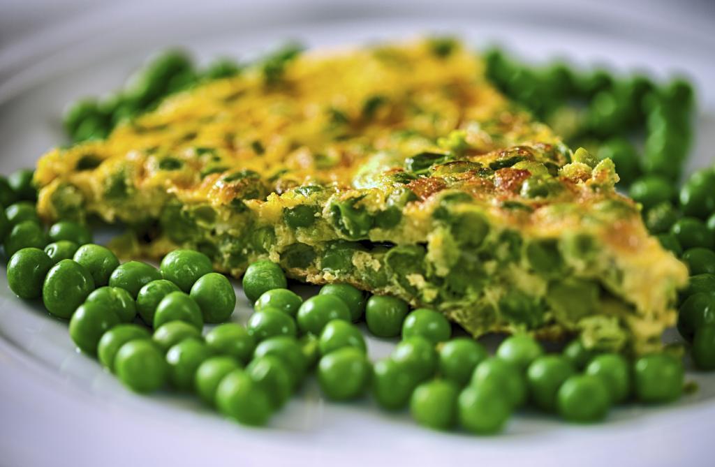pea-frittata-paleo-breakfast-by-healthista.com