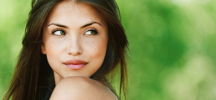 woman with great skin, best natural serums by healthista.com