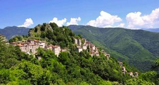Reclaim-Your-Self-Tuscany-village-by-healthista.com