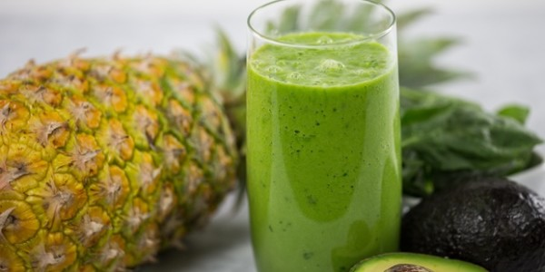 alkaline-activator-green-smoothie, 5 Easy Alkaline Recipes, by Healthista.com