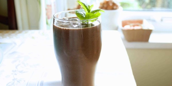 alkaline chocolate ice cream smoothie in glass, 5 Easy Alkaline Recipes, by Healthista.com