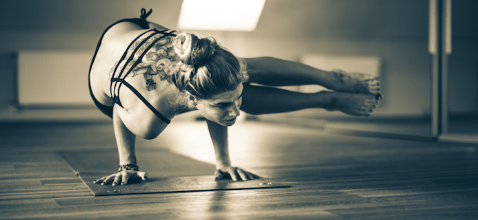 black-and-white-yoga-pose-30-day-yoga-challenge-by-healthista.com