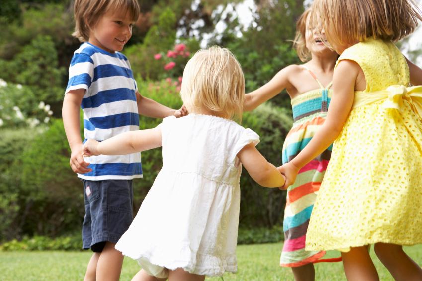 children-dancing-why-do-we-dance-by-healthista.com