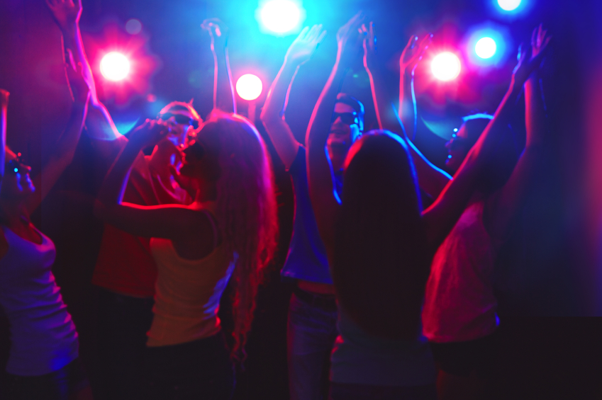 dance-party-why-do-we-dance-by-healthista.com