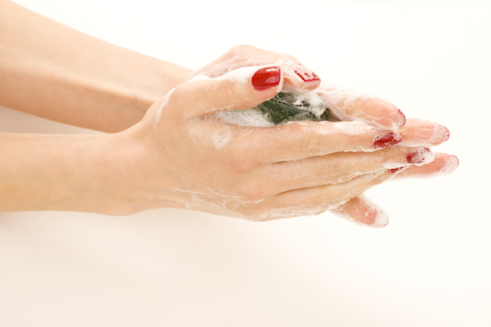 red-nails-hand-washing-10-relaxation-tips-by-healthista.com