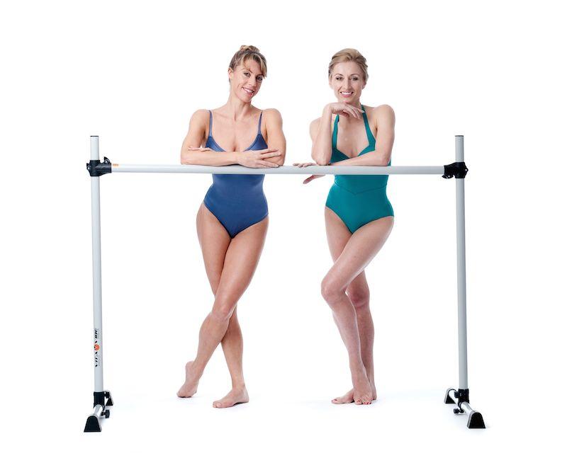 women-at-bar-sleek-technique-reveiw-by-Healthista.com