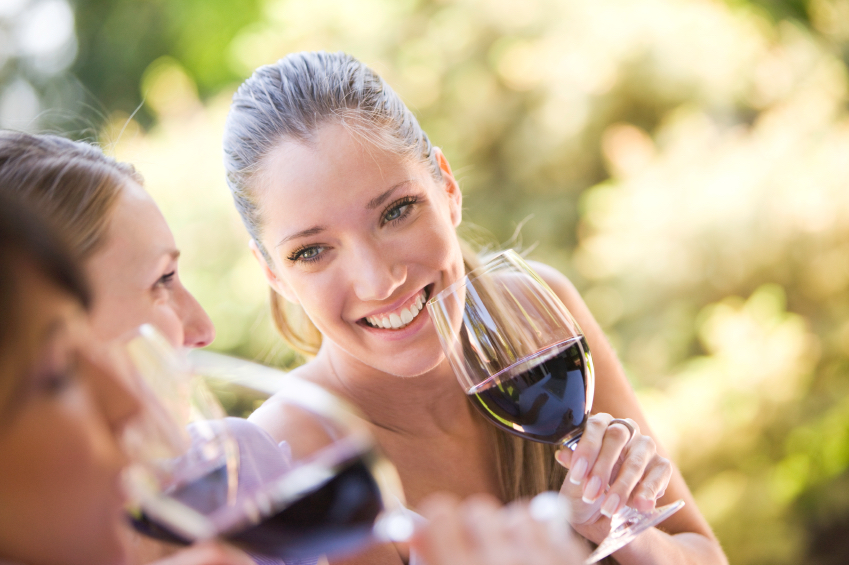 red wine, face health, by healthista.com
