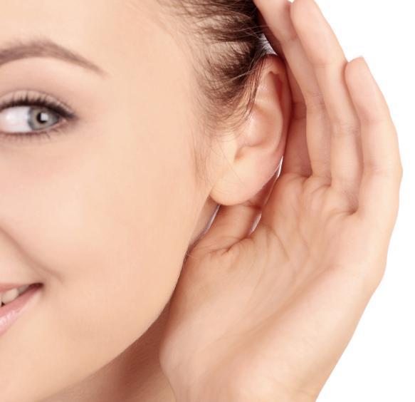 woman listening, de stress conversation, by healthista.com