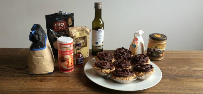 Vegan peanutbutter cupcakes, by healthista.com, slider