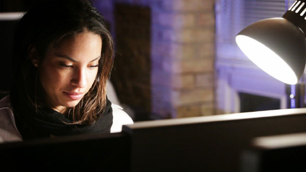 6 sleep myths. staying up late. healthista.com