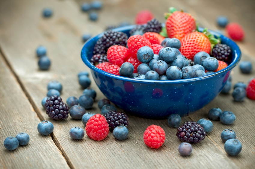 Berries, superfoods for your skin, by healthista.com