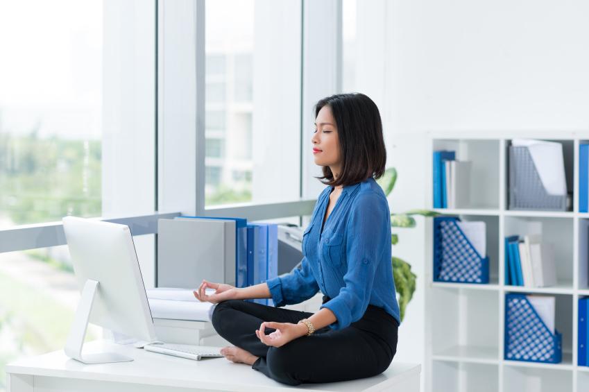Office-woman-meditating