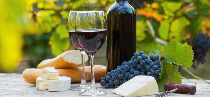 crganic wine with food, reasons to drink organic wine, by healthista.com