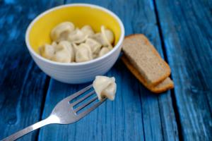 8 food myths. small meals