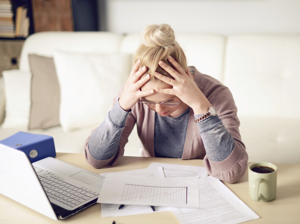 stressed woman, 6 stress myths you probably believe, by healthista.com