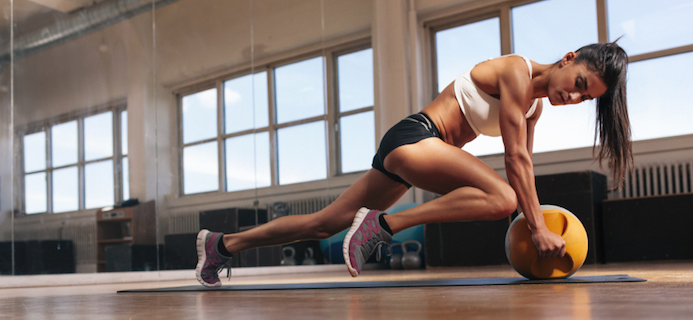 women training at the gym, how much exercise do you have to do to lose weight?