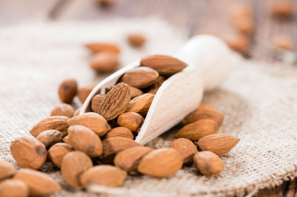 almonds. 10 healthy oils. By Healthista