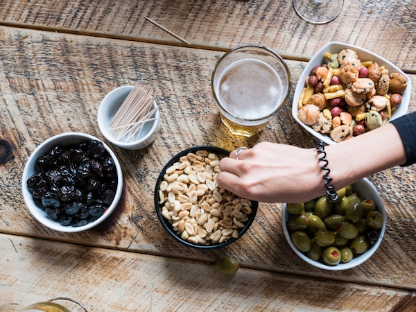 nuts-and-olives-at-bar-smart-guide-to-drinking-by-healthista.com