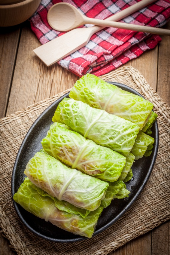 stuffed cabbage leaves, 7 healthy christmas recipes, by healthista.com