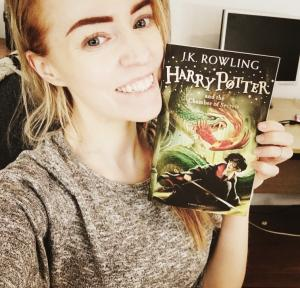 Stephanie with harry potter book, harry potter helped my dyslexia, by healthista