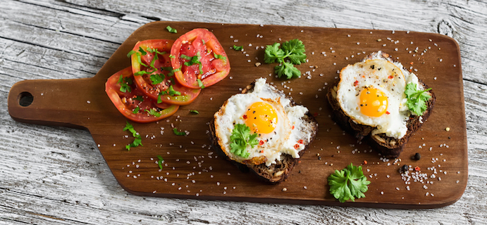 eggs-on-a-chopping-board-6-best-healthy-breakfasts-in-London-by-healthista.com